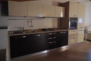 Zona cucina della cucina outlet Fly - Luigi Fontana Arredamenti Lissone -