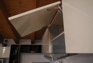 Pensile aperto e cappa della cucina outlet Fly - Luigi Fontana Arredamenti Lissone -