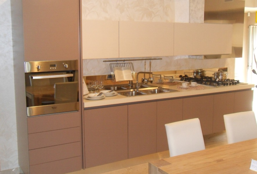 Visione d'insieme della cucina Ar Tre Cucine outlet - Luigi Fontana Arredamenti Lissone-