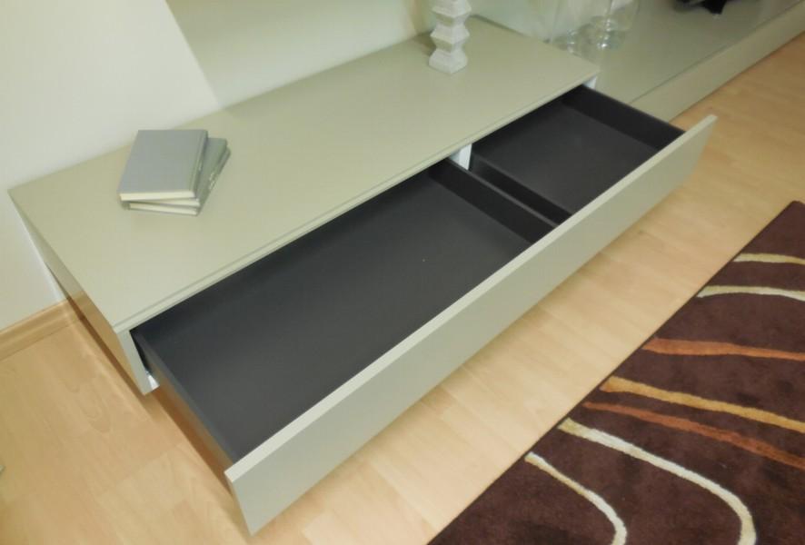 Base sospesa con cestone del soggiorno moderno outlet Mood - Luigi Fontana Arredamenti Lissone -